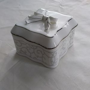 Other - Wedgewood Celestial Platinum Trinket Box